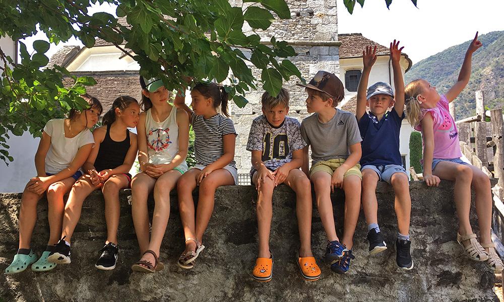 Foto di un gruppo di bambini ad un corso estivo